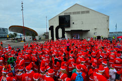 Den stora KidsCanen Santa Run Auckland Central Arkivfoto