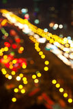 den stora oskarpa staden tänder natttrafik Royaltyfri Bild