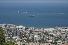 Den stora sikten från Carmelen mounthen en bred sikt, från Carmel Mountain Över hamnen Arkivbild