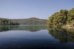 Den stora sjön i morgonen arkivbild