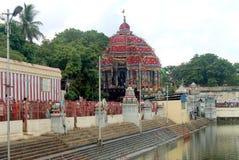 Den stora tempelbilfestivalen av Thiruvarur med den stora tempelpölen arkivfoton