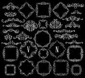 Den stora uppsättningen av tappning utformade calligraphic ramar och komplex och utsökt garnering för krusidullar, för inbjudan-  stock illustrationer