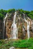 Den stora vattenfallet i nationalparkPlitvice sjöar Arkivbilder