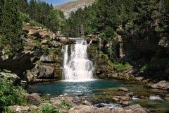Den stora vattenfallet i Ordesa Natonal parkerar arkivbilder