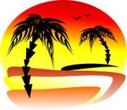 Den storartade solnedgången på sjösidan med två palmträd på dif Fotografering för Bildbyråer
