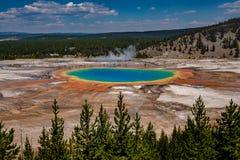 Den storslagna prismatiska våren Yellowstone nationalpark arkivfoton