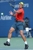 Den storslagna slamen för tolv gånger öva mästaren Rafael Nadal för US Open 2013 på Arthur Ashe Stadium Royaltyfri Foto