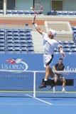 Den storslagna slamen för två gånger övar mästaren Lleyton Hewitt och professionelltennisspelaren Tomas Berdych för US Open 2014 Royaltyfri Foto