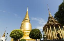 Den storslagna slott- och Emerald Buddha templet - Bangkok Fotografering för Bildbyråer