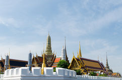 Den storslagna slotten i Thailand royaltyfri fotografi