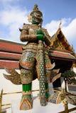 Den storslagna slotten och templet av Emerald Buddha Royaltyfria Bilder