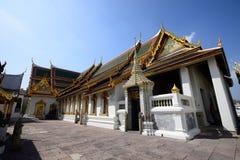 Den storslagna slotten och templet av Emerald Buddha Arkivfoto