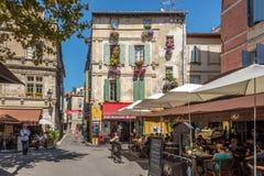 In den Straßen von Arles Stockbild