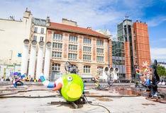Den Stravinsky springbrunnen är en offentlig springbrunn Arkivfoto