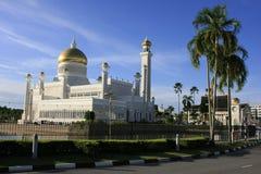 Den SultanOmar Ali Saifudding moskén, Bandar Seri tigger Fotografering för Bildbyråer