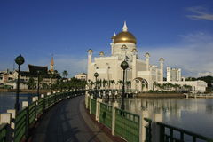 Den SultanOmar Ali Saifudding moskén, Bandar Seri tigger Arkivbilder