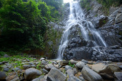 Den Sunanta vattenfallet är den härliga vattenfallet Thailand Royaltyfri Bild