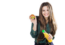 Den sunda flickan med vatten och äpplet bantar att le på vit Royaltyfri Foto