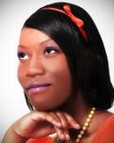 den svarta flickan poserade tonårs- Royaltyfri Bild