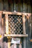 Den svarta smeden skapade järnfönstret från Indien arkivbilder