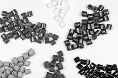 Den svartvita polymern granulate Royaltyfria Bilder
