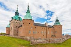 Den svenska forntida Kalmar slotten i den Kalmar staden royaltyfria foton