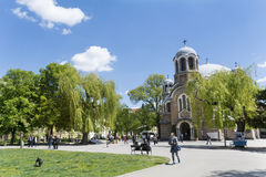 Den Sveti Sedmochislenitsi kyrkan i Sofia, Bulgarien Arkivbilder