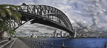 Den Sydney hamnen överbryggar. Royaltyfri Foto