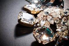 den täta diamanten pryder med ädelsten upp Royaltyfri Foto