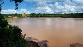 Den Tambopata floden nära Puerto Maldonado i amasonen, Peru Royaltyfri Foto