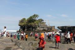 Den Tanah lotten är en av topp 10 dragningarna i Bali Arkivfoton