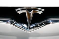 Den Tesla maskinen shoppar i Frankfurt Fotografering för Bildbyråer