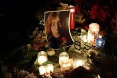 Den 34th årsdagen av John Lennon död på Strawberry Fields 1 Arkivbild