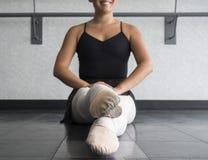 Den 5th positionen för balettdansör Arkivfoto