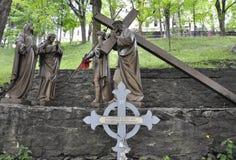 Den 4th stationen av korset med Jesus från Sainte Anne de Baupre Sanctuary från Quebec Arkivfoto