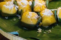 Den thai toddyen gömma i handflatan läcker söt smak för kakan Royaltyfria Foton