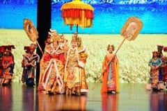"""Den Tibet konungen Song Xan Gan Bbu och prinsessan Wencheng-Large graderar scenarioshow"""" väglegend""""en Fotografering för Bildbyråer"""