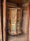 Den tibetana ritualen trummar med mantras Royaltyfria Foton