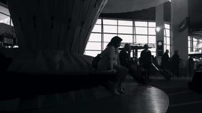 Den Tid schackningsperioden av passagerare reser i den Auckland flygplatsen Nya Zeeland arkivfilmer