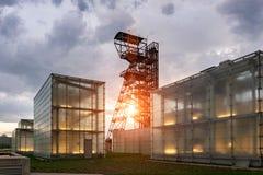Den tidigare kolgruva`-Katowice `en, plats av det Silesian museet Komplexet kombinerar gammal bryta byggnader och infrastruktur m fotografering för bildbyråer