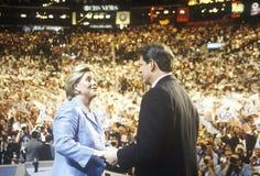 Den tidigare vicepresidentet Al Gore levererar godtagandeanförande på den 2000 demokratiska regeln på Staples Center, Los Angeles Arkivfoto