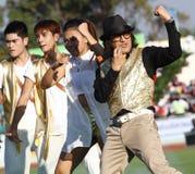 Den Tik Shiro världsstjärnan i Thailand sjungande konkurrens 40th Thailand universitetar spelar Fotografering för Bildbyråer
