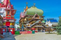 Den timrade tsar slott i Izmailovo Royaltyfri Foto