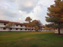 Den tomma hotellbyggnaden Royaltyfri Bild