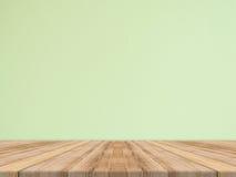Den tomma tropiska wood tabellöverkanten med den gröna stenväggen, förlöjligar upp baksida royaltyfria foton