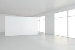 Den tomma vita affischtavlan i tomt rum med stora fönster, förlöjligar upp, tolkningen 3D Royaltyfri Foto