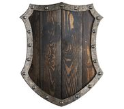 Den trämedeltida skölden med metallramen isolerade illustrationen 3d royaltyfri illustrationer
