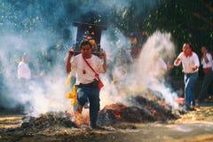 Den traditionella balinesen Kecak och brand dansar på den nya Taipei staden Royaltyfri Fotografi