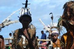 Den traditionella dansen maskerar festivalen Papua Nya Guinea Royaltyfria Bilder