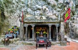 Den Tran Buddhist tempel på Trang ett sceniskt område i Vietnam royaltyfri fotografi